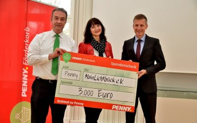Penny Förderkorb 2017: Übergabe Spendenscheck