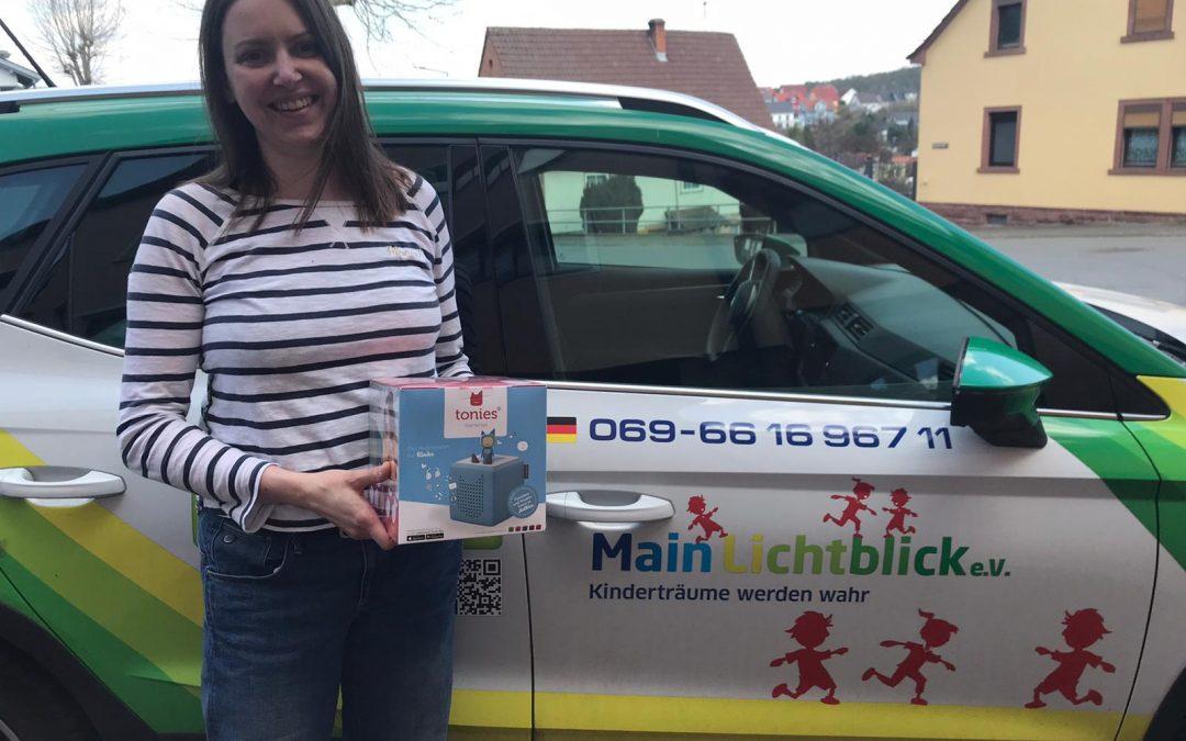 Besserhelferin Christiane Verst spendete fünf Tonieboxen für Wunscherfüllungen