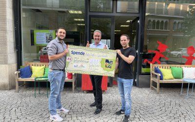 Spendenübergabe von Martin Bepple und Tobias Krauße